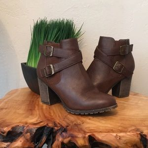 Shoes - Brown ankle boots with cute straps. Size 6.5